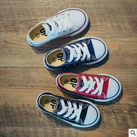 Nouveau Classique Enfants Toile Chaussures Filles Garçons Enfants Sneakers 2018 Mode Casual Bébé Chaussures de Course Solide Couleur Enfant Sport Chaussures