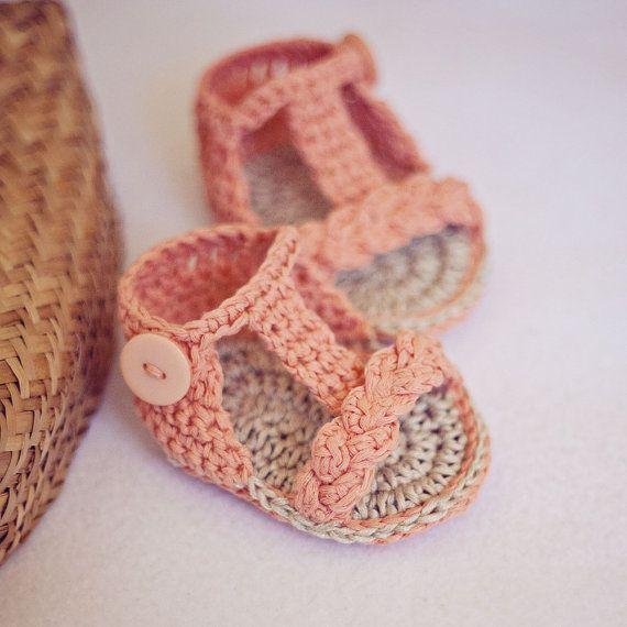 Del gladiador del bebé, hecho a mano que hace punto las sandalias nueva lindo crochet sandalias del bebé 0-12month