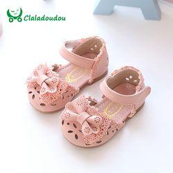 Claladoudou nueva primavera verano princesa Baby sandalias Cute Bow Hollow Girl zapatos de cuero 0-6 años Rosa Blanco del niño del bebé