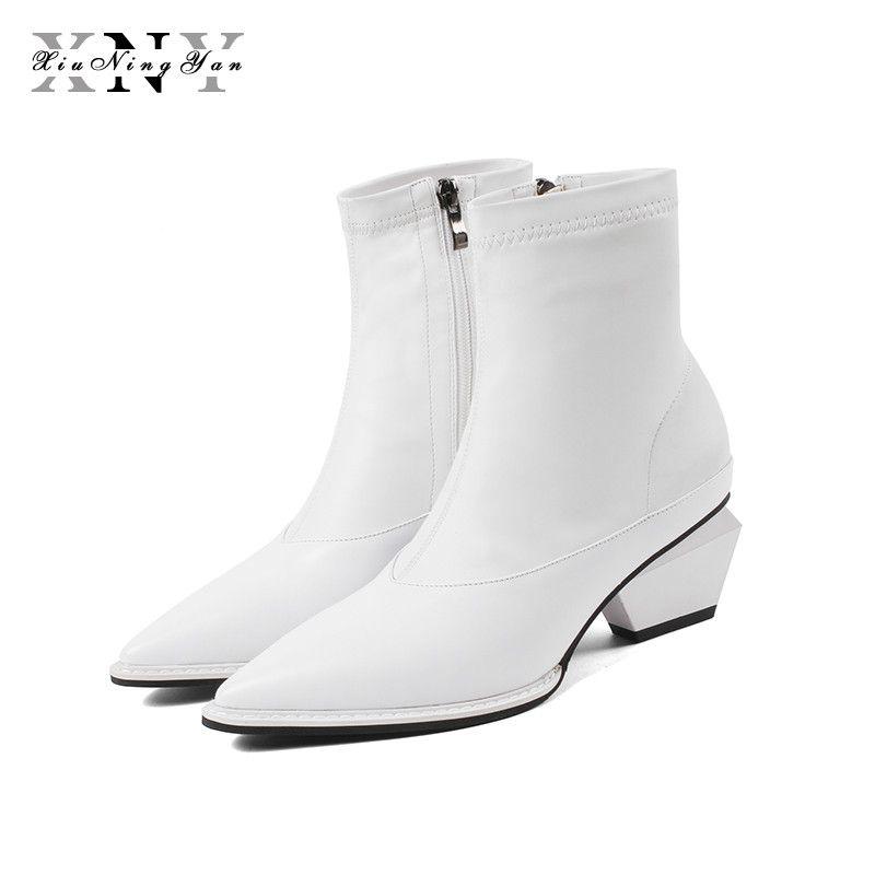 XiuNingYan Herbst Stiefel Frauen Echtes Leder + Stretch Stoff Spitz Unregelmäßigen Platz Heels Slip-On Schuhe Frau Knöchel stiefel