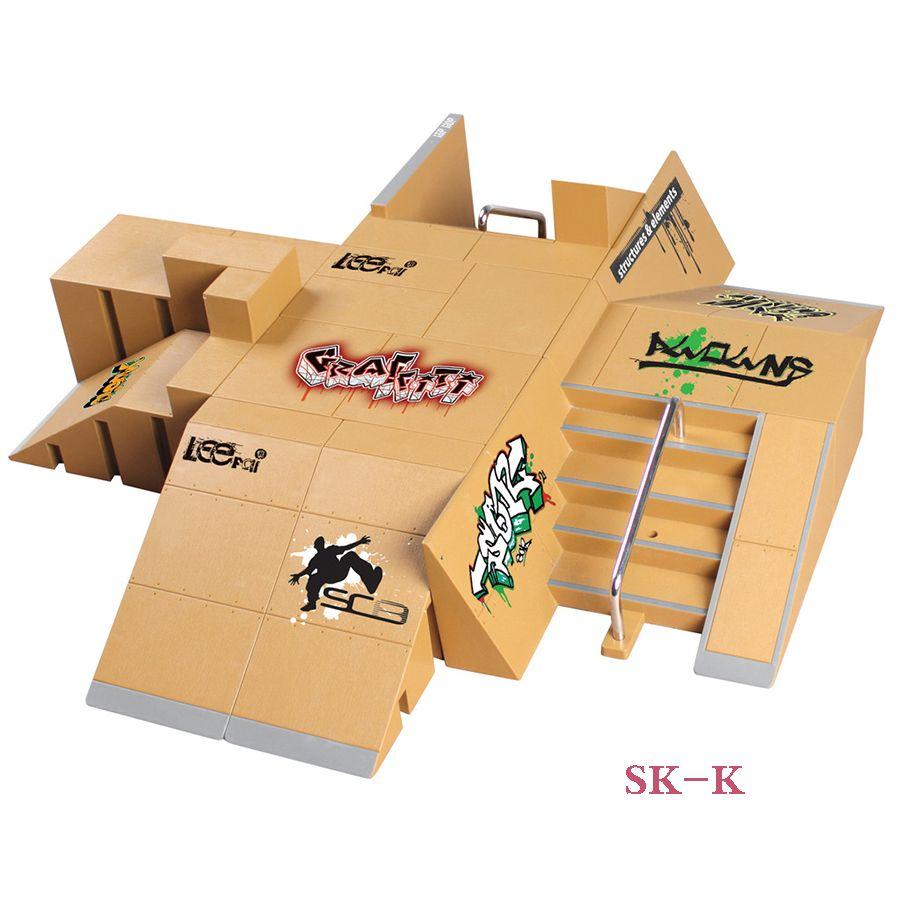 SK-K 11 + 4 Pcs Super multi-style combinaison doigt planche à roulettes parc rampe touche pour Tech Deck & Finger Board scène propriété