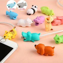1 Pcs Kawaii Kabel Gigitan Hewan iPhone Pelindung Berbentuk Winder Anjing Menggigit Aksesori Ponsel Prank Mainan Lucu