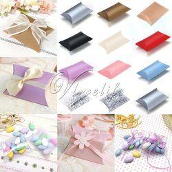 50 pcs/lot Gaya Baru Bantal Bentuk Kotak Permen Kotak Hadiah Kotak untuk Mendukung Pesta Pernikahan Dekorasi Kertas Karton/PVC/Brown Kraft partai besar