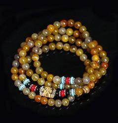 Naturel agate perles se composent de 112 perles. une femme bracelet.