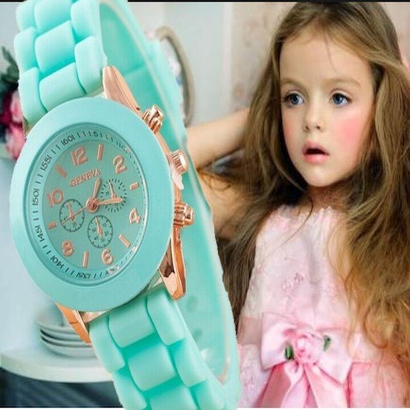 Nouvelle Mini Genève Enfants Montre Filles Femmes D'or montre-bracelet En Caoutchouc or casual robe montre Enfants Mode Enfants Dropshipping