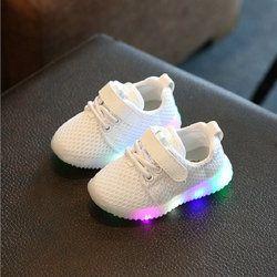2018 nueva moda niños zapatos con luz LED niños zapatos brillantes luminosos zapatillas bebé niño niños niñas zapatos led