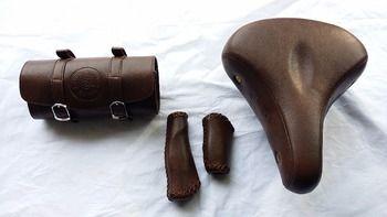 Retro bike saddle bag Saddle toolkit Leather bag Brooks bag  Retro bike saddle Retro bike grip Brown saddle bag grip