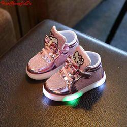 Nouveau Printemps Automne Hiver Enfants de Sneakers Enfants Chaussures Chaussure Enfant Bonjour Kitty Filles Chaussures Avec LED Lumière