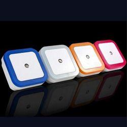 Litwod Z10 Высокое качество авто светодиодный свет индукции Сенсор Управление Ночное освещение кровать лампы светодиодный ночник для спальни н...