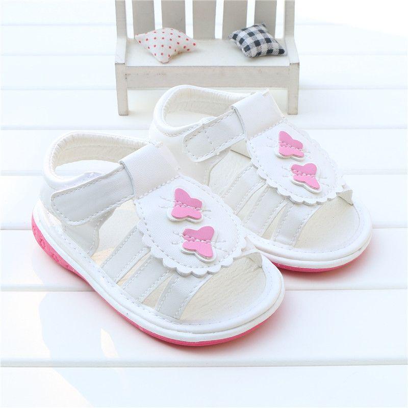 2017 Del Verano Del Bebé Sandalias de Las Muchachas Zapatos de Cuero de LA PU de La Mariposa Squeaky sandalias Infantiles Del Niño Niños Zapatos de Los Niños Calientes párr nina