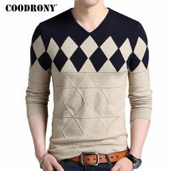 COODRONY Cashmere Wool Sweater Men 2020 Autumn Winter Slim Fit Pullovers Men Argyle Pattern V-Neck Pull Homme Christmas Sweaters