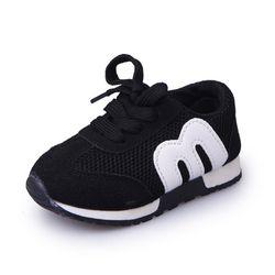 Nueva primavera niños deporte sneakers niños letra suave transpirable Zapatillas para correr Niñas Niños Mocasines niño Zapatos enfant chaussure