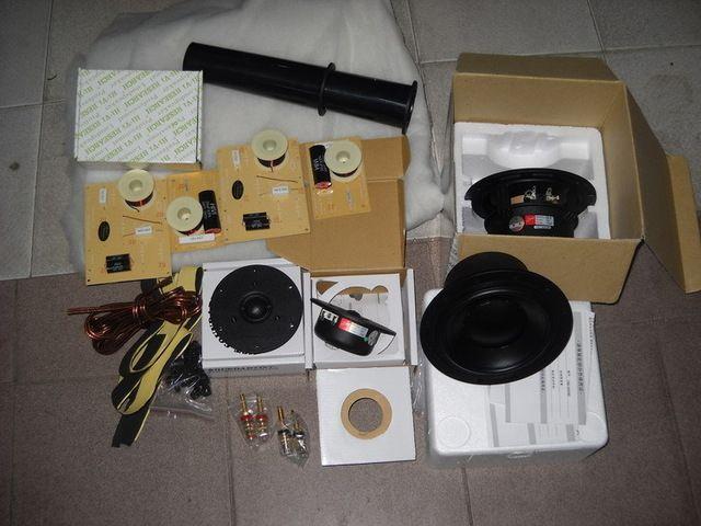 HiVI 6 ''DIY Regallautsprecher Kit = 2 stücke (D6.8B woofer + Q1R Hochtöner) + DN-A11 Lautsprecher teiler + Lautsprecher Kabel + Klemmen + Schrauben + Logo