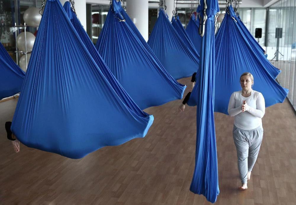 Elastic4 mètres 2017 Aérienne Yoga Hamac Swing Dernière Multifonction Anti-gravité Yoga ceintures pour yoga formation Yoga pour le sport