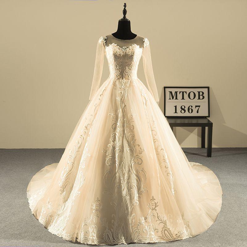 Neue Design Ballkleid Spitze Brautkleider 2018 Oansatz Vintage Backless Sexy Champagne Hochzeitskleider China Online Shop MTOB1808