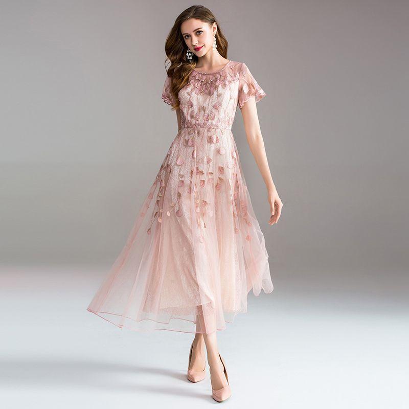 Hochwertige lange kleid stickerei große schaukel kleid kleid damen elegante temperament rundhals kurzen ärmeln damen kleider