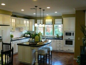 Antique style modular solid wood  kitchen cabinets(LH-SW012)