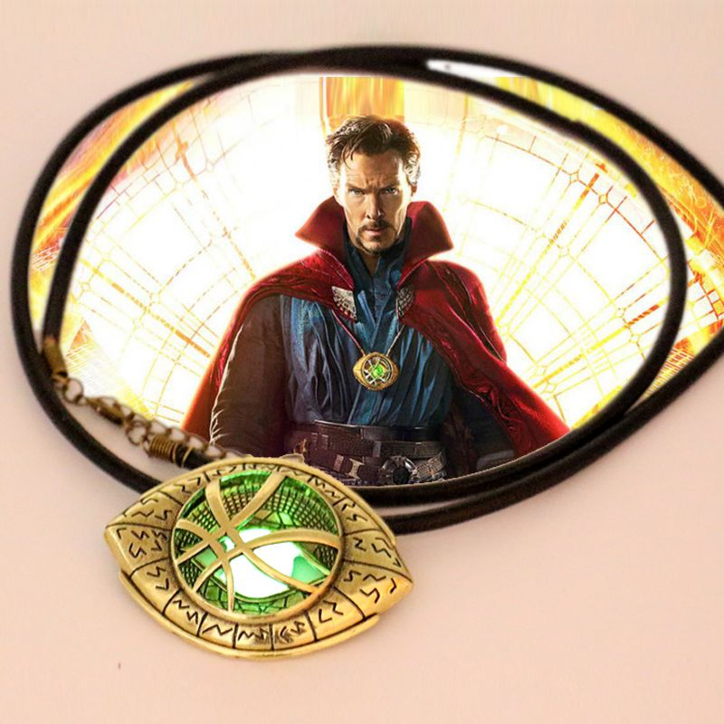 Doctor Strange Necklace Glow in Dark Eye Shape 6cm*4.3cm Pendant Movie Doctor Strange Prop Replica Cosplay Constume Jewelry