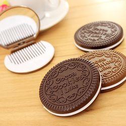 1 PCS Mignon Chocolat Biscuit En Forme de Conception Petit Miroir avec Peigne Femmes Filles Maquillage Outil Miroir De Poche Utilisation Home Office