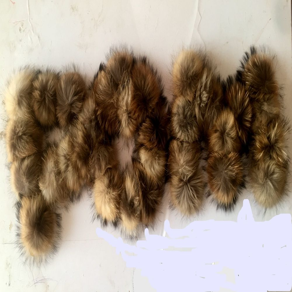 50pcs/ lot 15cm Real Raccoon Fur Pompoms Fur balls for knitted beanies keychain and scarves shoes Real fur pom Wholesale