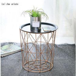 Moderne rose d'or ronde en fil métallique de stockage panier table d'appoint