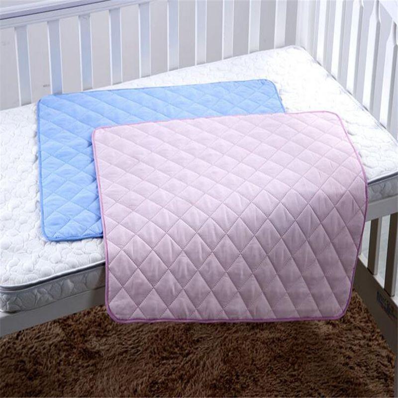 Haute qualité instantanée absorber l'urine infantile matelas à langer dos imperméable matelas coton respirant bébé couches taille M