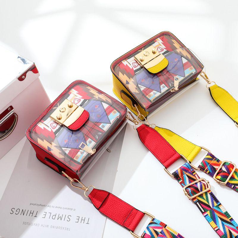 Transparent bag 2018 female new summer trend, small bag, wide shoulder strap, satchel, mini jelly bag.