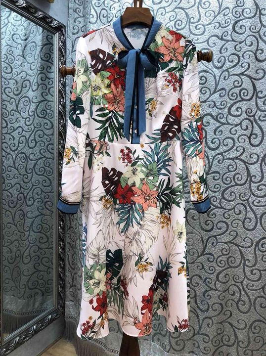 2018 autumn and winter European and American new women's neckline print color matching pattern dress