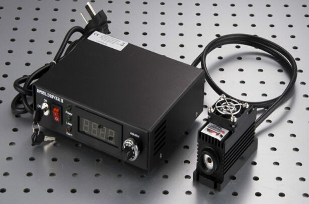 Infrared 980nm Infraid IR Laser Module 2000mw Spot Beam TTL /Analog Modulation TEC Cooling Adjustable power supply