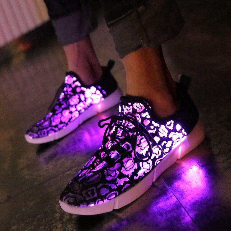 Kashiluo EU #25-47 chaussures LED USB chaussures de sport lumineuses rechargeables Fiber optique blanc chaussures pour filles garçons hommes femmes chaussures de mariage de fête
