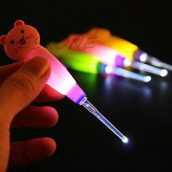Hot! LED Dig Flash Lumière Oreille 3x Oreille-choisissez Wax Remover Choisissez Earpick Oreilles Propres