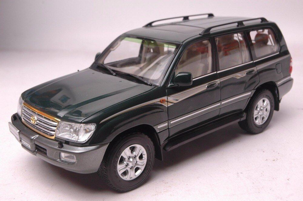1:18 Diecast Model for Toyota Land Cruiser LC100 2009 Green SUV Alloy Toy Car Miniature Collection Gift
