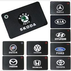 Slip-résistant pad emblème pad antidérapant de voiture accessoires de voiture tuyau d'échappement de pad modèles taille 19*12 cm