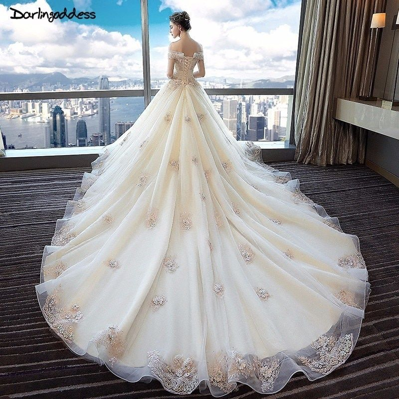 Robe De Mariee Plus Size Champagne Vintage Lace Wedding Dress Cap Sleeves Appliques Pearls Wedding Gown 2018 Luxury Bridal Gowns