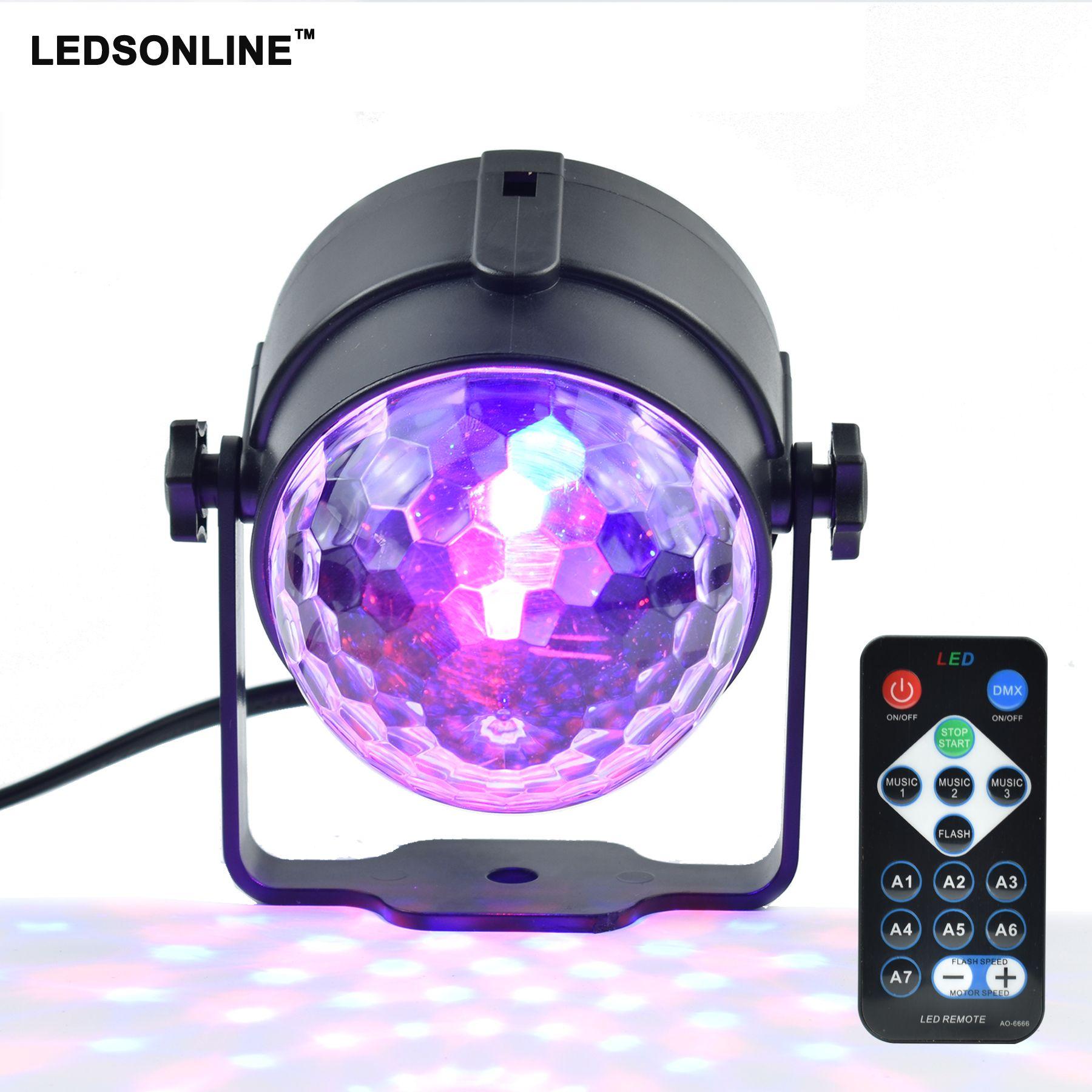 Mini RGB 3 W Bola Mágica de Cristal Llevó la Lámpara de La Etapa de DJ KTV Luz Laser del disco Del Partido Proyector de Sonido Luces de Navidad de Control Remoto IR