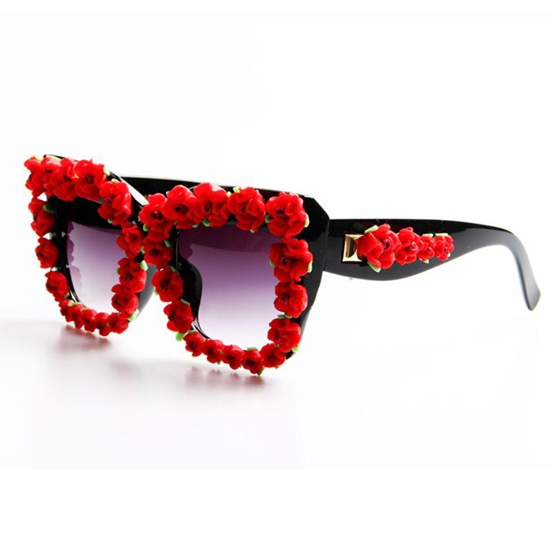Marque Designer 2017 lunettes de Soleil Femmes Rouge Fleur Baroque Style De Luxe lunettes de Soleil Pour Dames Plage D'été Lunettes