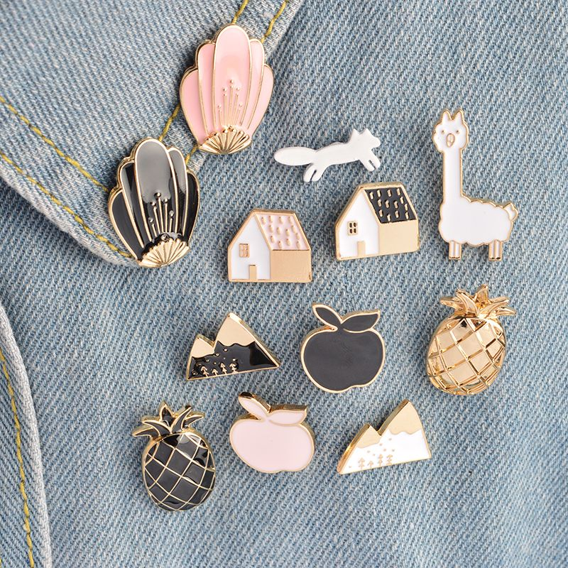 12 pcs/ensemble Ananas Pomme Maison Renard Montagne De Neige Shell Broche Bouton Broches Denim Veste Pin Badge Cartoon Mode Bijoux Cadeau