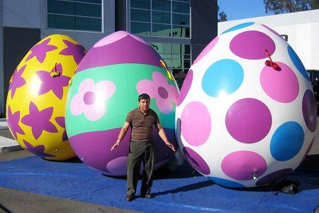 Envío ventiladores gigante inflable colorido huevos de Pascua para la decoración del Festival del partido