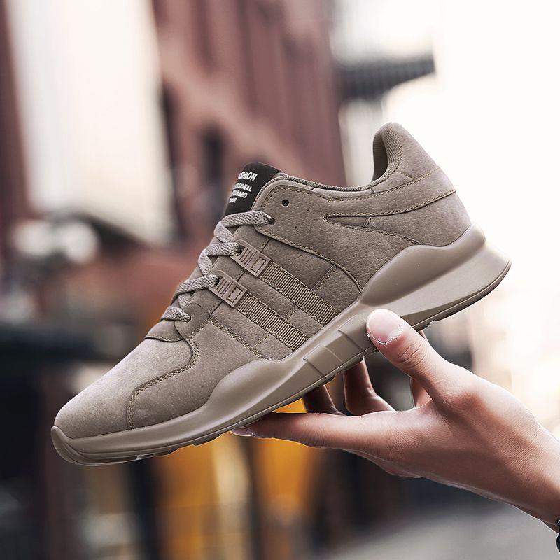 QICE Corrientes de Los Hombres zapatos de estilo popular diseñador de la marca de cuero deporte entrenador zapatos de recorrido ligero Zapatillas Sapatos de corrida