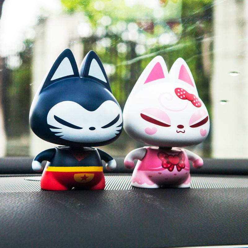 Car Ornaments Shaking Head Lucky Cat Toys Auto Dashboard Decoration Automobile Seat Interior Decor Home Furnishing Accessories