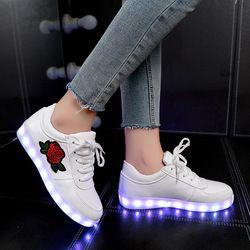 Криатив освещенные детская обувь, светящиеся кроссовки для девочек ботинки со светодиодами для мальчиков светящиеся кроссовки с цветочным...