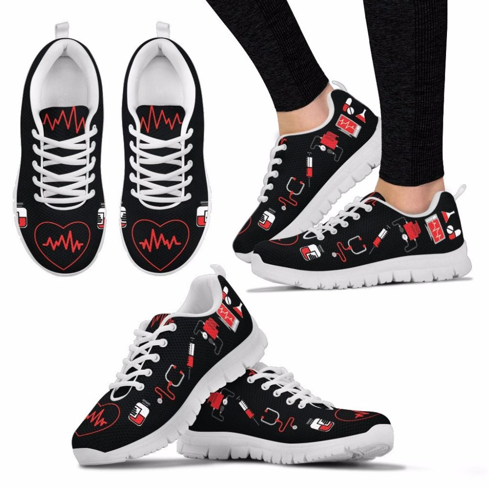 doginthehole Running Brand Jogging Light Outdoor Sneakers 35-45 Shoes 2018 New Women Walking Breathable Nurse Heart Sport Shoes