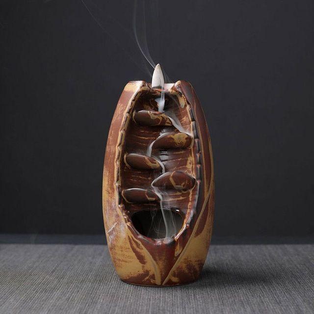 Assez de Stock Brûleur D'encens avec 10 pièces/50 pièces Cônes D'encens