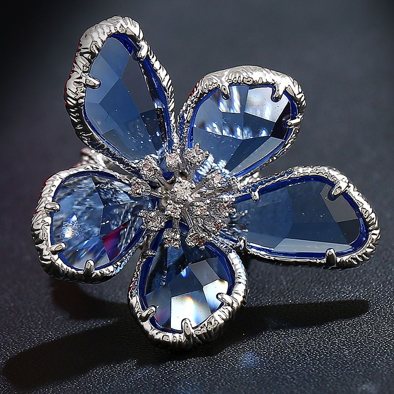 Anel Feminino Fashion 2017 New Blue Crystals Super Big Flower Ring Cubic Zirconia Cool Punk Cocktail Party Ring Women Jewelry