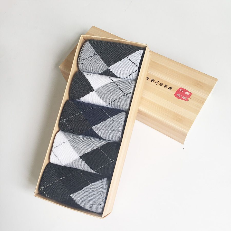 5 Pairs/lot Cotton Men Socks Solid Argyle Dot Pattern Casual Spring Summer Male Socks Sale With Gift Box Type SS01 2018