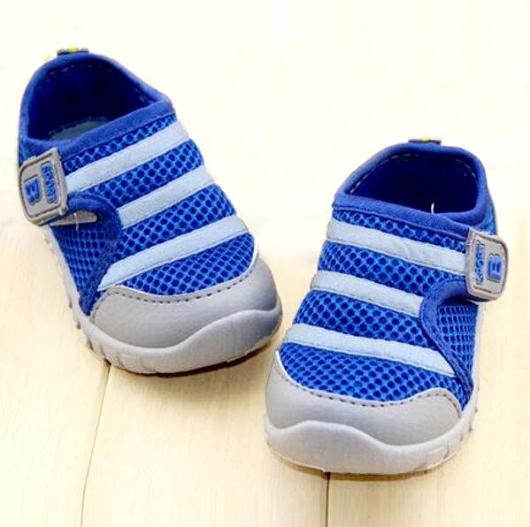 Бренд детей XiuXianXie 2017 хорошо проданный продукт мальчики и девочки дружно кроссовки ребенок сетчатый воздухопроницаемый кроссовки обувь
