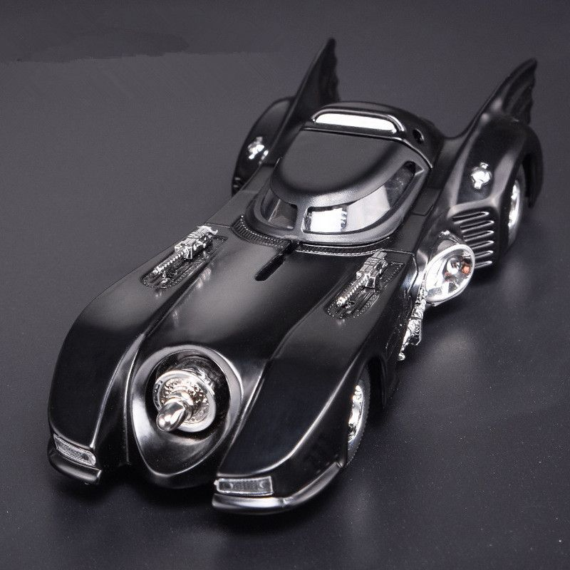 Sale High simulation Black Classic bat classic car model,1:32 scale Alloy pull back Batman Chariot model toy,free shipping