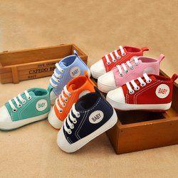 Lona recién nacidos zapatillas de deporte clásicas bebé niños niñas primeros caminantes Zapatos Infantiles del niño suave suela antideslizante zapatos de bebé
