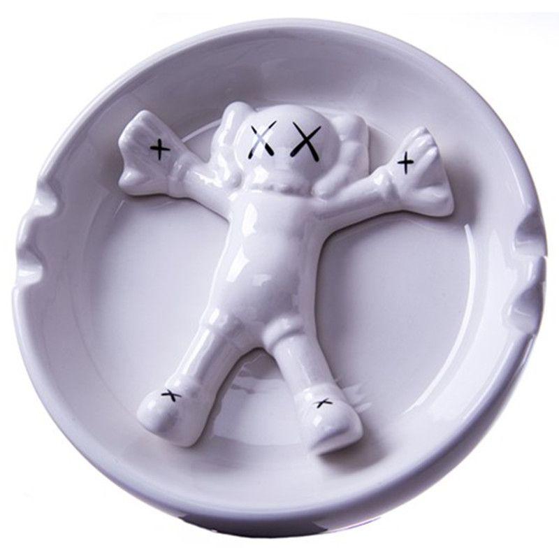 WS Companion Gallery 1950 OriginalFake Medicom Toy KAWS Ceramics Ashtray Action Figure Collection Model Toy G1098