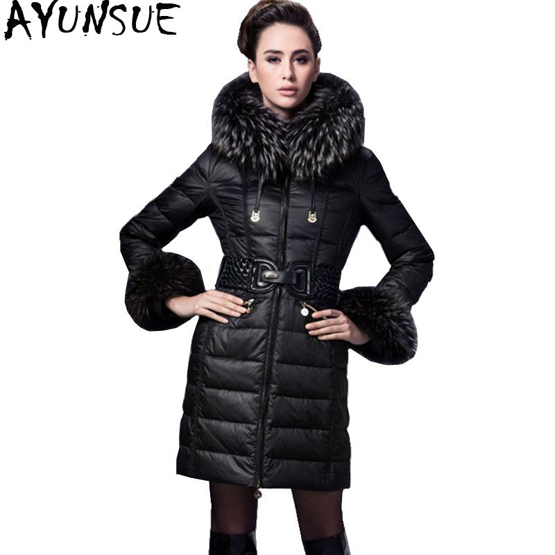 AYUNSUE 2018 Luxury Winter Down Jacket For Women Warm Thick White Duck Down Jackets Real Raccoon Fur Collar Long Slim Coat YQ882
